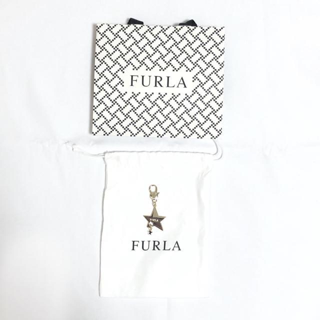 Furla(フルラ)の【新品】FURLA 新作 チャーム スター レディース 未使用 完売品 紗栄子 レディースのファッション小物(キーホルダー)の商品写真