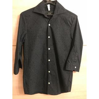 エイケイエム(AKM)のAKM 紺色 シャツ ペイズリー柄(Tシャツ/カットソー(七分/長袖))