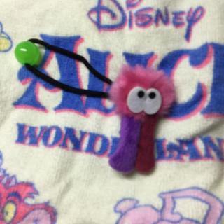 ディズニー(Disney)のモメラス ヘアゴム 不思議の国のアリス  ディズニーストア(ヘアゴム/シュシュ)