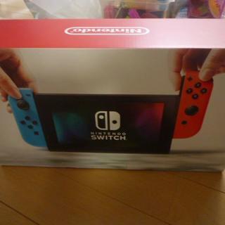 ニンテンドウ(任天堂)の新品未開封Nintendo Switch本体ネオンブルー/(R)ネオンレッド(家庭用ゲーム本体)