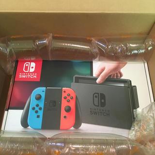 ニンテンドースイッチ(Nintendo Switch)の【即購入◎】任天堂Switch本体 ネオンブルー/レッド 新品未使用品(家庭用ゲーム本体)