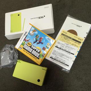 ニンテンドーDS(ニンテンドーDS)のDSiとマリオ セット(携帯用ゲーム本体)