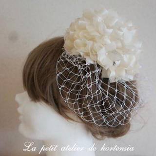 新品 シルク 花 ヘッドドレス ボンネ ウェディング 白 ホワイト  結婚式(ヘッドドレス/ドレス)