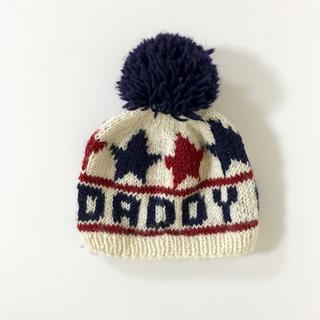 ダディオーダディー(daddy oh daddy)の【新品同様】Daddy Oh Daddy ポンポン付きニット帽(帽子)