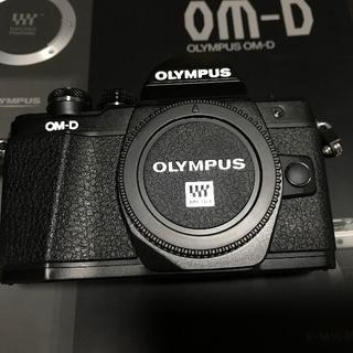 OLYMPUS - E-M10 Mark II 17mm F1.8 セット