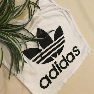 アディダス(adidas)のadidas チューブトップ(ぽんち♡様専用)(ベアトップ/チューブトップ)