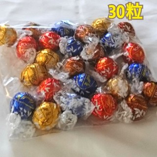 コストコ(コストコ)の新品☆30粒  リンツ リンドール チョコレート (菓子/デザート)