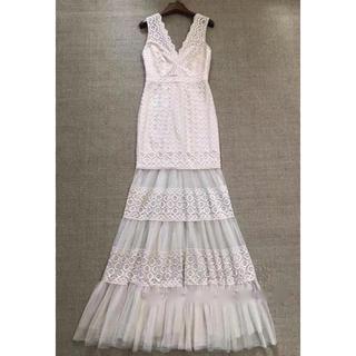 ビーシービージーマックスアズリア(BCBGMAXAZRIA)の2019新作BCBGマックスアズリアパーティーVネック高級ドレス(ロングドレス)