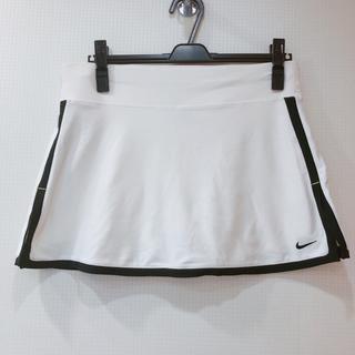 ナイキ(NIKE)の美品 NIKE スコート キュロット 白黒 ブランド スポーツウェア テニス(ウェア)