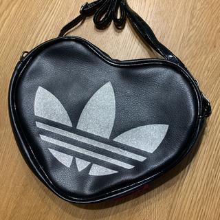 アディダス(adidas)のアディダスオリジナルス ハート ショルダーバッグ  ポシェット ショルダー(ショルダーバッグ)