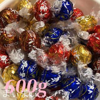 コストコ(コストコ)の⭐︎最安値⭐︎リンツ 600g コストコ チョコレート 新品(菓子/デザート)