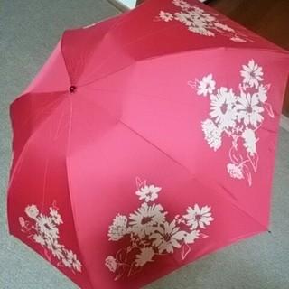 シビラ(Sybilla)の新品未使用シビラ折りたたみ傘 ピンクXベージュ、花柄ケース付(傘)