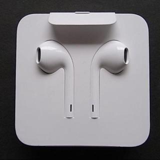 アイフォーン(iPhone)のiPhone付属品 純正イヤホン(ヘッドフォン/イヤフォン)