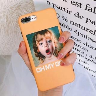 [ OH MY GOD ] iPhoneケース Yellow 女の子(iPhoneケース)