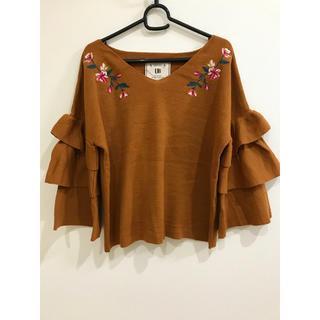 シマムラ(しまむら)の袖フリル♡刺繍入り 薄手のニット(ニット/セーター)