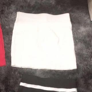 アンズ(ANZU)のタイトスカート(ひざ丈スカート)