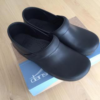 ダンスコ(dansko)の【年始限定SALE】【美品】dansko professional oiled(ローファー/革靴)