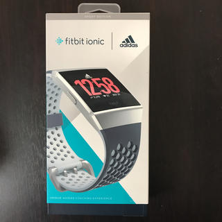 アディダス(adidas)の【tracii様用】Fitbit ionic adidasエディション(腕時計(デジタル))