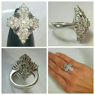 豪華な煌めき✨計2.5カラットダイヤモンドデザインリング、プラチナ 鑑別書付き(リング(指輪))