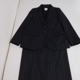 アルマーニ コレツィオーニ(ARMANI COLLEZIONI)の大きいサイズ アルマーニコレツィオーニ チャコールグレーストライプスーツ 未使用(スーツ)