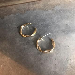 デミルクスビームス(Demi-Luxe BEAMS)の#184 import pierce : Twited Hoop gold S(ピアス)