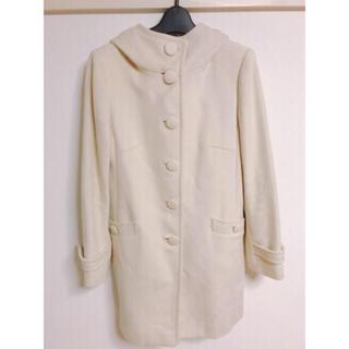ヴァンドゥーオクトーブル(22 OCTOBRE)のコート オフホワイト (ロングコート)