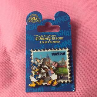 ディズニー(Disney)の日本未発売 ドナルド デイジー ピンバッチ 上海 ディズニーランド(バッジ/ピンバッジ)
