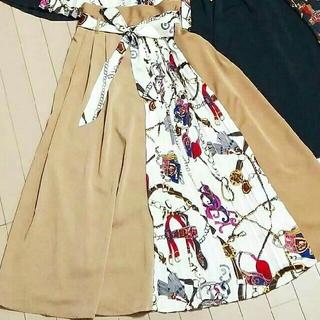 シマムラ(しまむら)のしまむら スカーフ柄プリーツスカート切り替えスカートアベイルZARAGUIENA(ロングスカート)