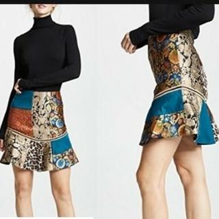 アリスアンドオリビア(Alice+Olivia)の新作スカート(ミニスカート)