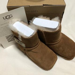アグ(UGG)の新品 未使用 UGG ブーツ サイズ S 6-12M(ブーツ)