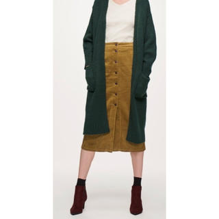 ジーユー(GU)のGU コーデュロイフロントボタンタイトスカート マスタード(ひざ丈スカート)