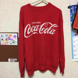 ジーユー(GU)のコカコーラのニット服(ニット/セーター)