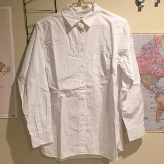 ユニクロ(UNIQLO)の白シャツ UNIQLO(シャツ/ブラウス(長袖/七分))