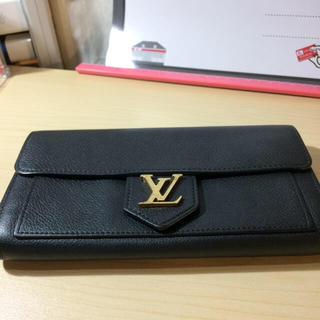 ルイヴィトン(LOUIS VUITTON)の正規ルイヴィトン美品財布!イニシャルけしあとあり!(折り財布)