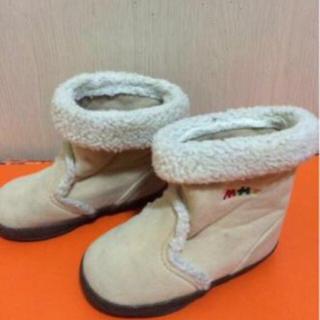 ミキハウス(mikihouse)のKU20男女14ミキハウスのベージュのボア付きブーツ 程度良好(ブーツ)