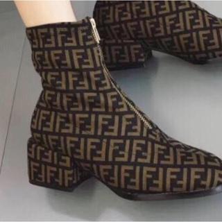 ザラ(ZARA)の海外セレブ Fロゴ厚底ブーツ 高級インポート(ブーツ)