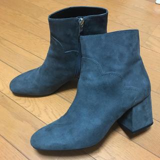 ザラ(ZARA)のザラ ショート ブーツ グレー  スェード調  25㎝(ブーツ)