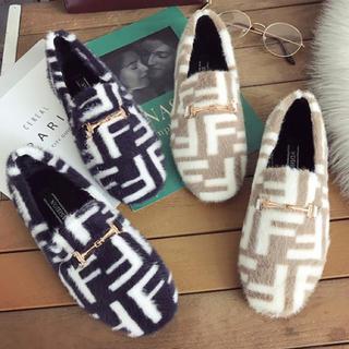 ザラ(ZARA)の海外セレブ Fロゴ配色フラットシューズ(ローファー/革靴)