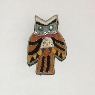 タマオ(tamao)のフクロウ 刺繍 ブローチ(ブローチ/コサージュ)