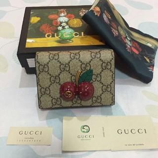 グッチ(Gucci)のGUCCI 折りたたみ財布 (財布)