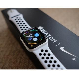 アップルウォッチ(Apple Watch)のApple Watch Series4 nike  *ラクマが5%クーポン実施中(腕時計(デジタル))