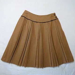 パターンフィオナ(PATTERN fiona)のPATTERN fionaのキャメルのダブルプリーツスカート(ひざ丈スカート)