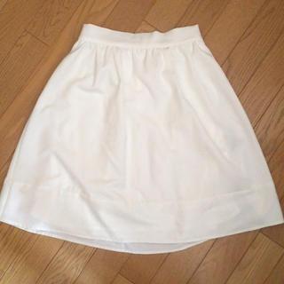 ページボーイ(PAGEBOY)のpageboy 白 スカート(ひざ丈スカート)