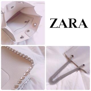 ザラ(ZARA)のZARA  [ショッパーバッグ] アイボリー チェーントートバッグ(トートバッグ)