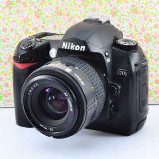 ✨入門機の可愛い本格派✨ニコン D70s レンズセット(デジタル一眼)
