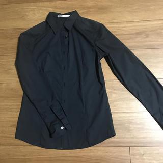 ユニクロ(UNIQLO)の【美品】長袖 シャツ ブラック(シャツ/ブラウス(長袖/七分))