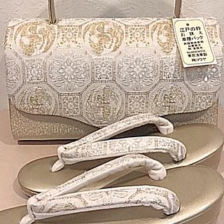 【礼装用】 草履バック セット(ゴールド) 〈新品〉(下駄/草履)