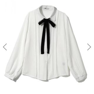 グレイル(GRL)のGRL ボウタイリボン付きピンタックシャツ(シャツ/ブラウス(長袖/七分))
