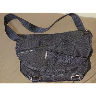 narifuri Messenger bag S (ほぼ未使用、タグ無し)(メッセンジャーバッグ)