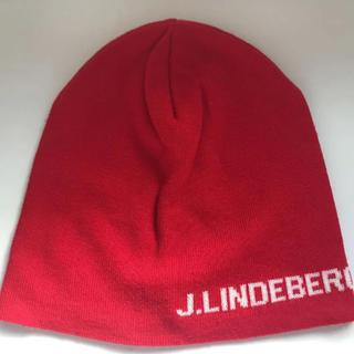 ジェイリンドバーグ(J.LINDEBERG)の【 新品 ジェイリンドバーグ 】ゴルフ ニット帽 赤 キャップ(ウエア)
